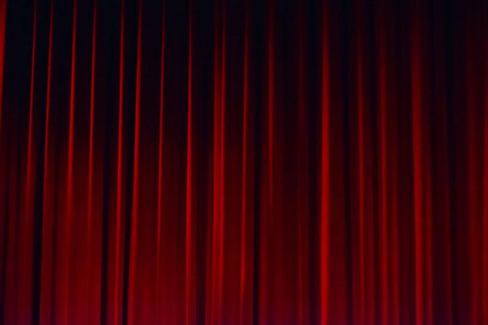 شباهتهای زندگی و تئاتر